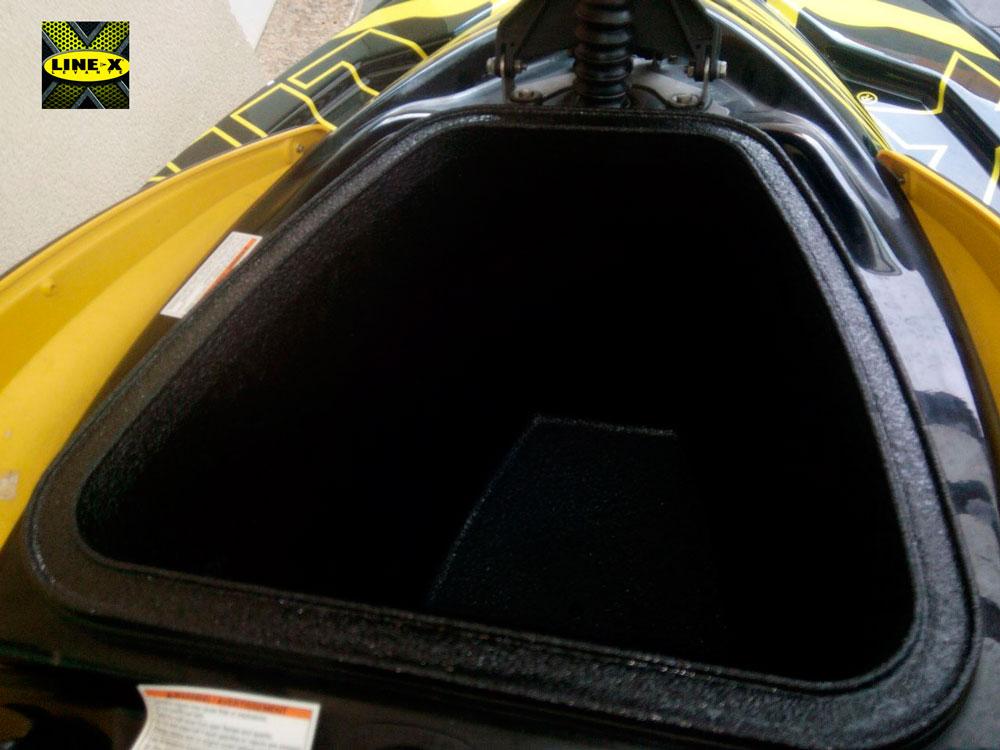 recubrimiemientos-line-x-moto-agua-02